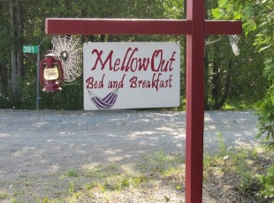 Road sign for MellowOut B&B